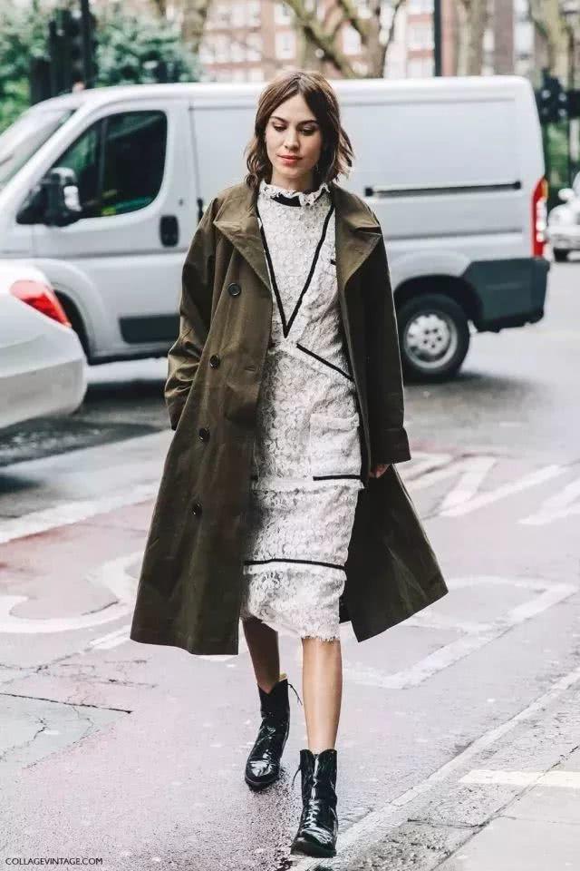 凉爽当下,风衣、阔腿裤可以考虑搭在身上试试