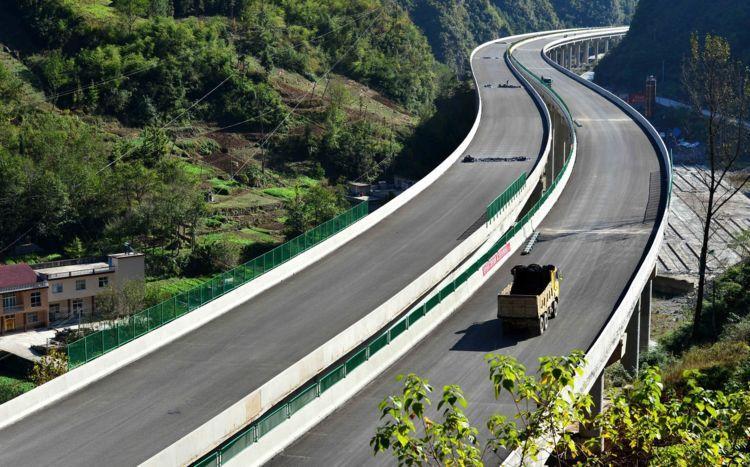 河南这条高速沿途9地,明年将通车,近千万人要脱贫致富