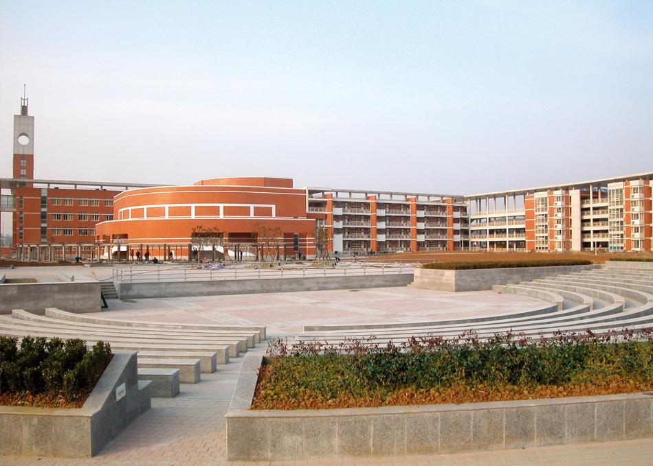 """我国""""最厉害""""的5所高中,保送清华北大的最多,升学率很高."""