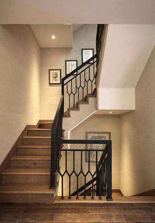 拇指帮装修网复式楼梯的装修设计与介绍