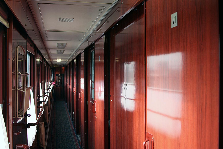 火车的硬卧和软卧图片