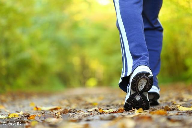 高血压患者走路锻炼,最佳时间是几点?医生:另外3个问题更重要