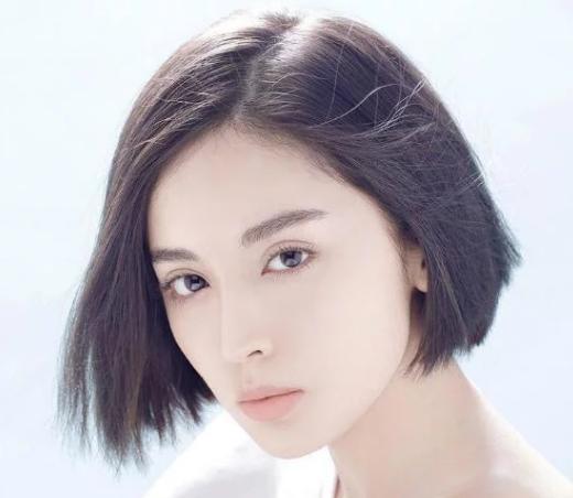 郑爽短发,赵丽颖短发,刘诗诗短发,都不及她留短发