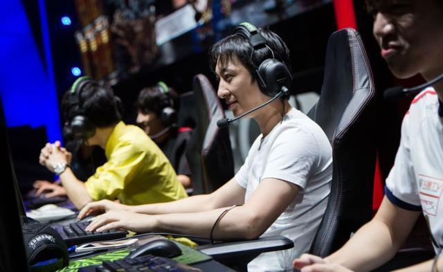 lol:熊猫主播要转职业选手,ig或成最大赢家,毕竟都是王思聪的