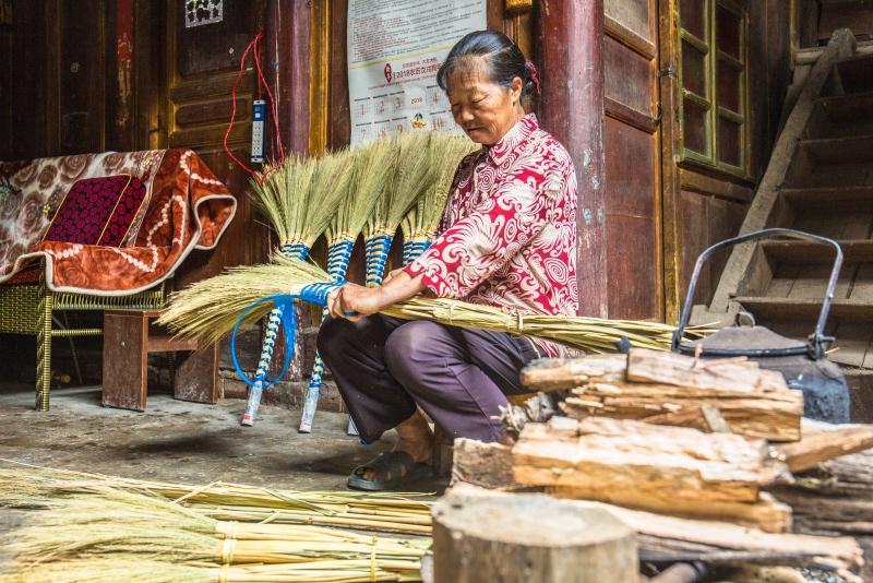 400年村寨无人知晓,村民发展传统手工艺,年收入不足万元