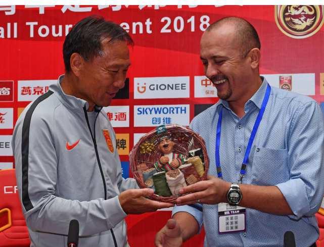 谁说中国男足不行?国际比赛获得亚军还受到对手尊敬!