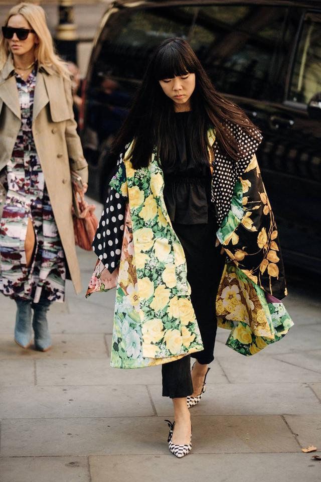 时装周潮人街拍亚裔博主占一半,外媒:疯狂亚洲人席卷时尚圈了