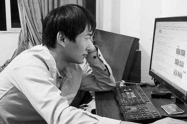 他高考故意考0分,如今阔别10年,重返高考,网友:早干嘛去了