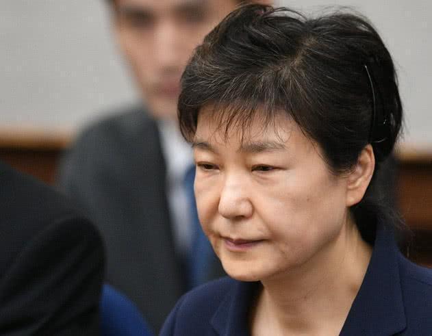 韩国法律界:朴槿惠或要在监狱里度过30多次中秋节