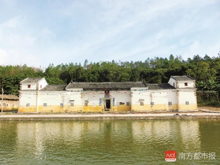 汕头市下蓬镇渔下村多少人口_广东省汕头市人口