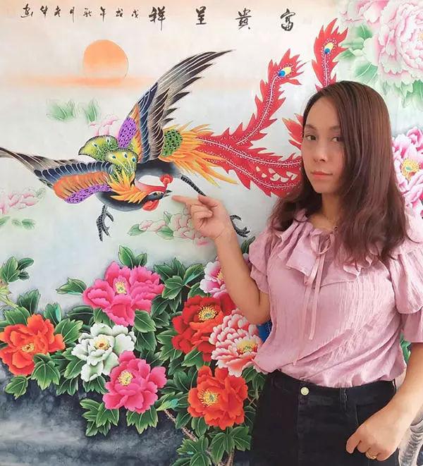 操女幼婴_杨彦华,女,1988年出生于山东省菏泽市,自幼酷爱绘画,擅长工笔花鸟