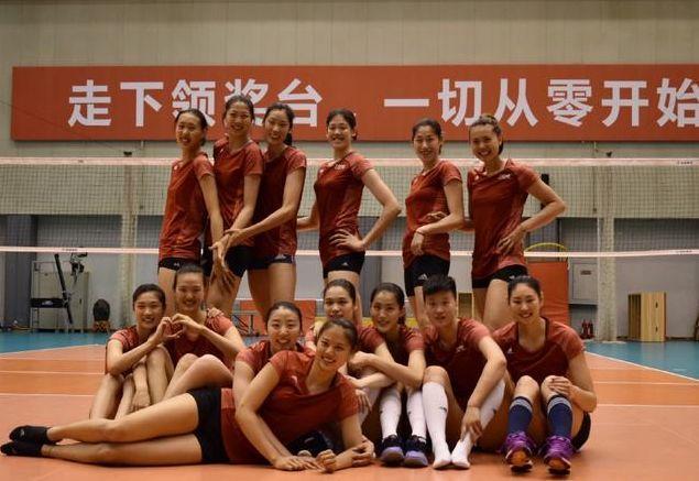 女排出征名单已确定,朱婷新海报出炉,剑指阔别32年的世锦赛冠军