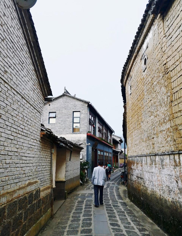 不是大理!不是丽江!这座云南小城古朴静谧,低调得让人心疼!