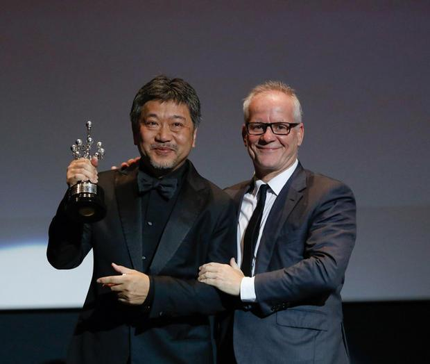 是枝裕和获终身成就奖缅怀树木希林 亚洲电影人首次