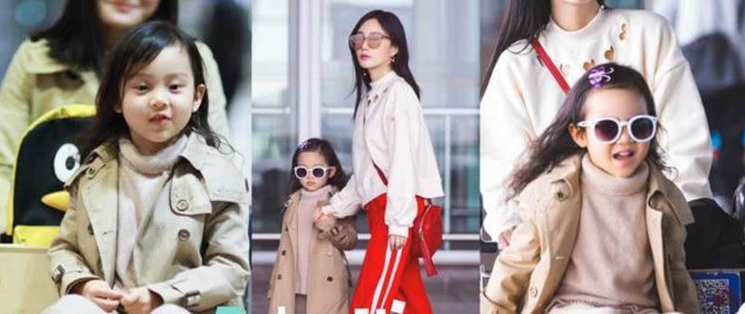 李小璐带甜馨购物 现身某平价商场挑选童装