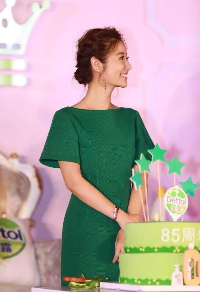 绿裙真考验人的气质,娜扎勉强跟林心如媲美,刘亦菲仙气都穿没了!