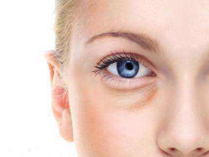 去眼袋三种手术方法介绍 眼袋问题早些重视比较好
