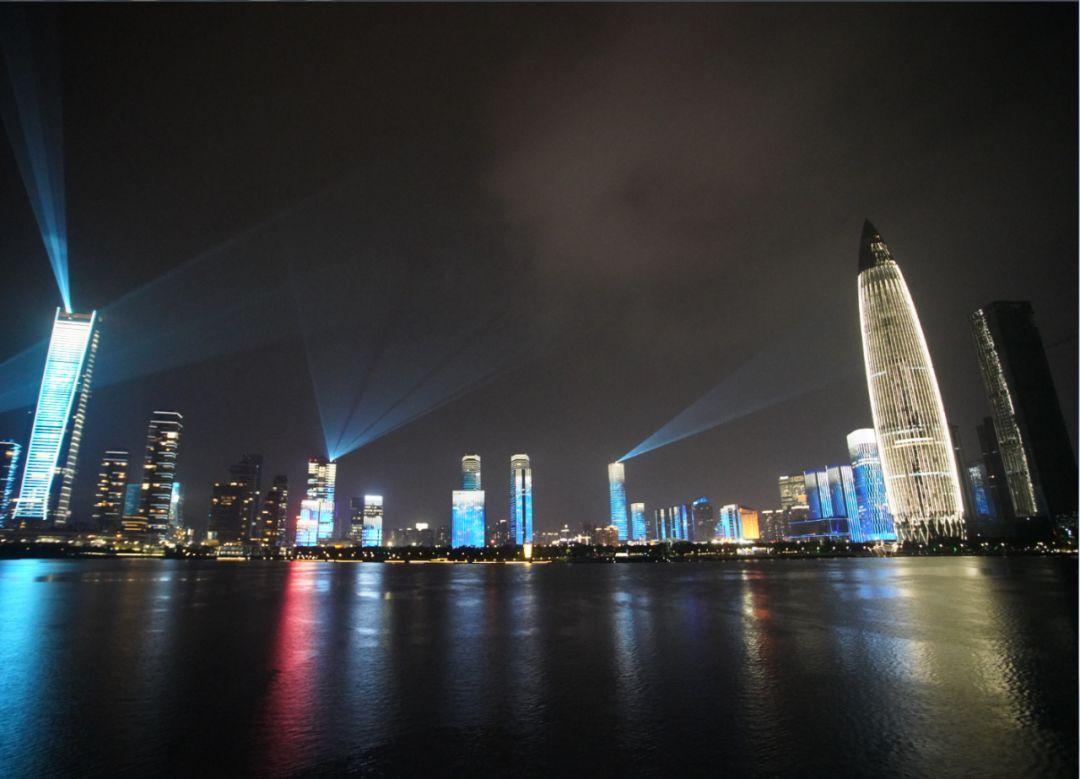 图/改革开放40周年深圳城市景观亮化