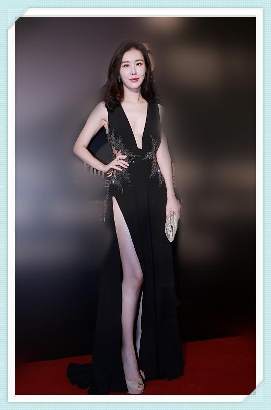 """当37岁田朴珺撞上33岁卢靖姗,网友:见识了真正的""""深不见底"""""""