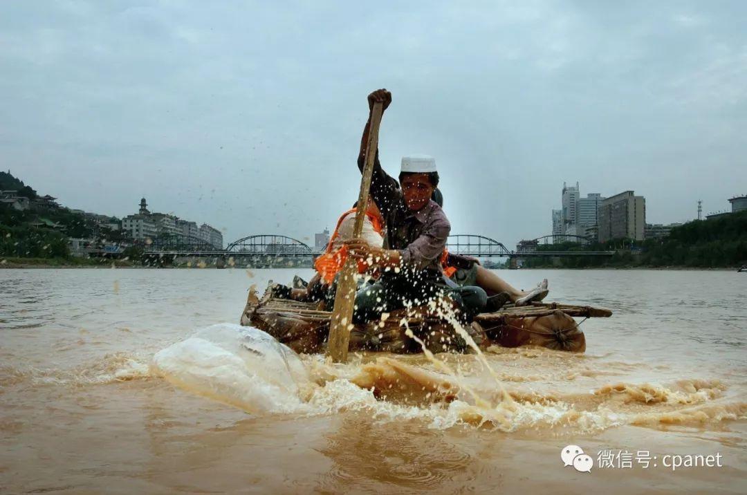 英雄会佳作欣赏|《黄河上的羊皮筏子 千年历史