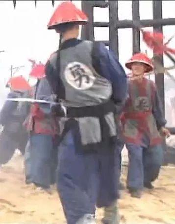 """清朝士兵胸前的""""兵""""和""""勇""""有什么区别"""