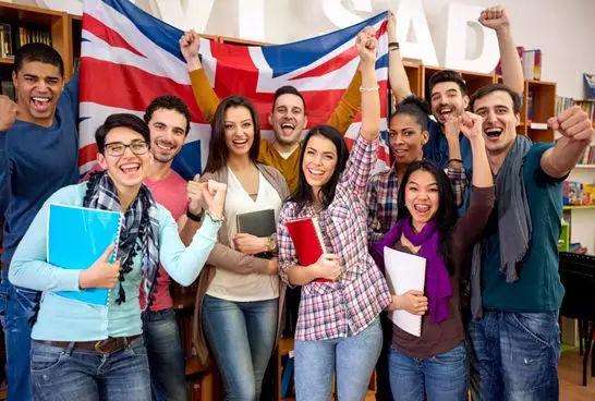 """留学生不回国是因为移民海外就到了""""天堂""""?"""