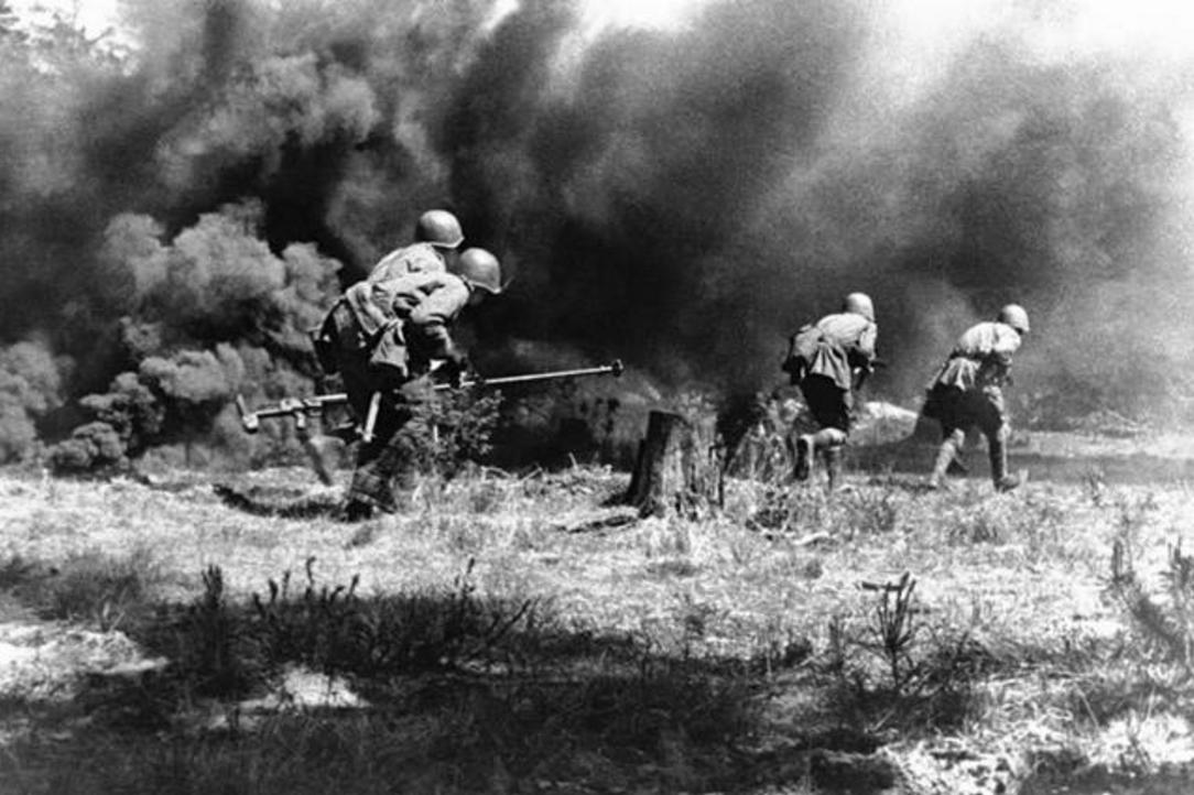 为什么二战末德军大规模投降盟军,对苏军却坚持抵抗 原因在这里图片