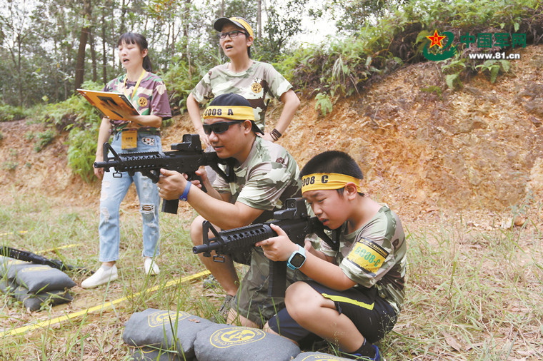 全平易近军事体育挑和赛让国防教育走进糊口