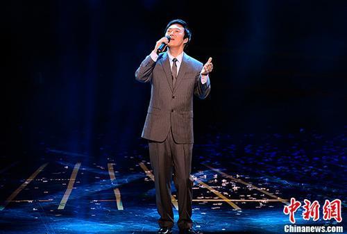 费玉清称退出演艺圈:掌声无法填补双亲去世的失落
