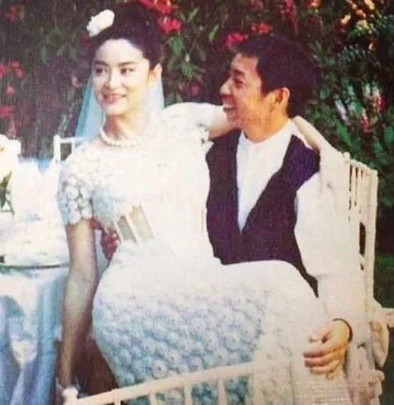 林青霞被爆离婚:有底气开始,更有勇气离开