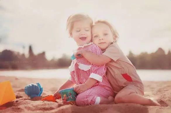 20年後,兩個男孩和兩個女孩的家庭區別在哪?答案太紮心