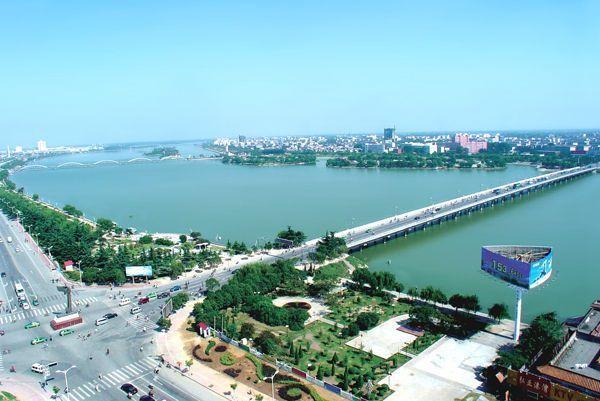 郑州gdp破万_2018年郑州GDP破万亿 成功晋级 万亿俱乐部(2)