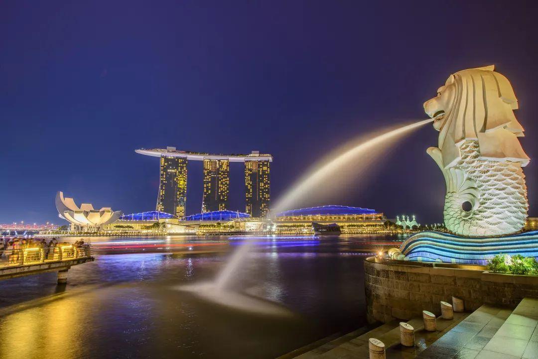 新加坡历年gdp_香港和新加坡 历年GDP对比,谁发展的更好