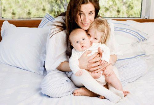 母乳喂养固然是好,但要出现这两种情况,早点断奶才最好