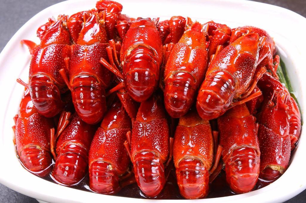 小龙虾身上三个部位一定不能吃,吃小龙虾的三个细节最好了解一下