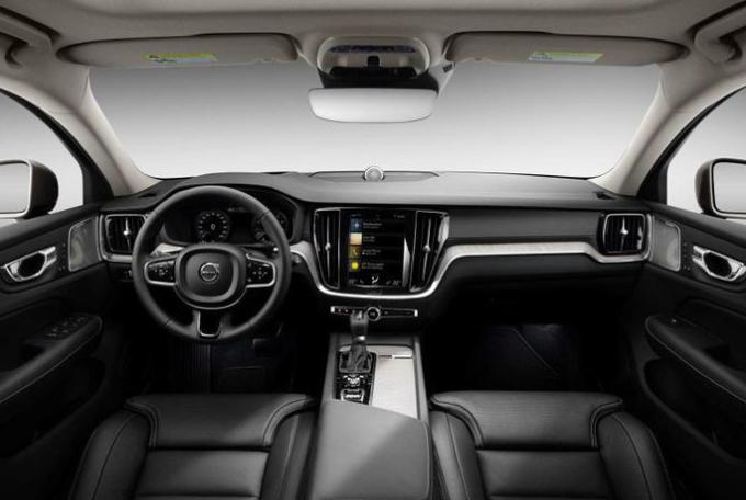 跨界旅行车新一代沃尔沃V60 Cross Countey官图发布