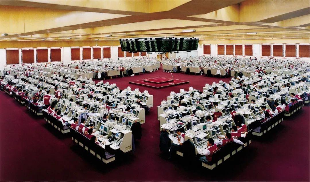 读数观新开的传奇私服不封速市_ _香港银行纷纷上调利率,全球最昂贵的房地产市场蒙上阴影