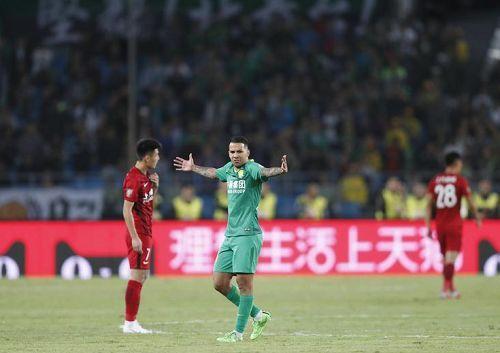 """遗憾!施密特最后时刻""""豪赌""""失败,上港已预订联赛冠军"""