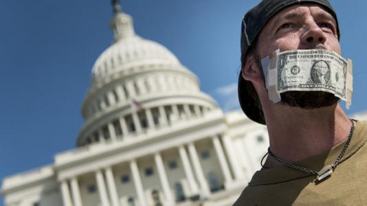 美国人天马行空版本传奇私服不喜欢存钱,银行放贷的钱从哪儿来
