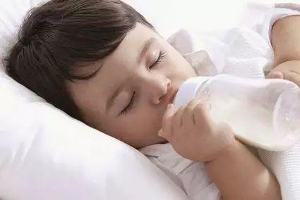 母乳喂養到幾歲最好?原來大部分媽媽都過早斷奶了