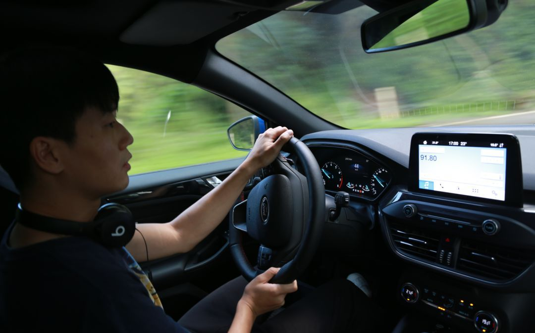 可能是20万内最有驾驶乐趣的车 试驾新一代福克斯