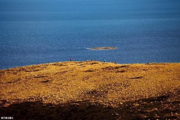 中國這個看似普通的湖泊,卻受到很多香客的愛戴