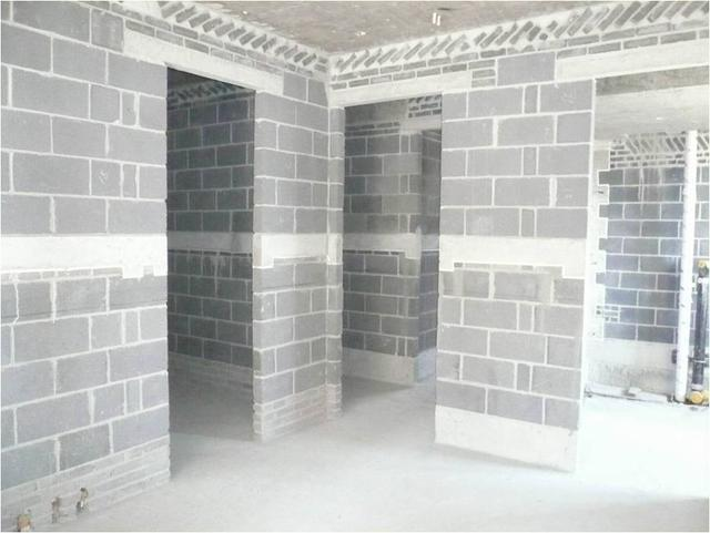 8,构造柱及腰梁设置到位 二次结构砌筑必须注意构造柱及腰梁设置的