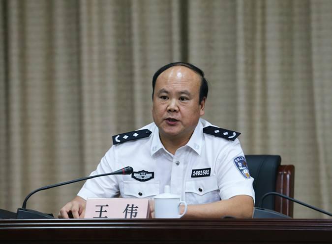 """周蓬安:与逼警嫂""""入狱""""献身比,黑老大狱中开小灶算啥?"""