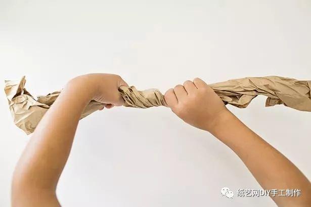 手工制作报纸大树