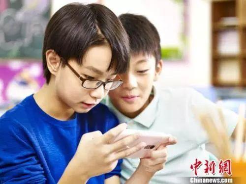 高中生睡眠时间_【育儿】每天要睡够10小时,玩手机不得超1小时……你家孩子 ...