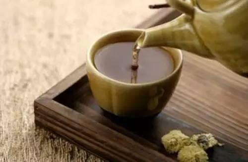 酒後用濃茶解解酒?無異於火上澆油!