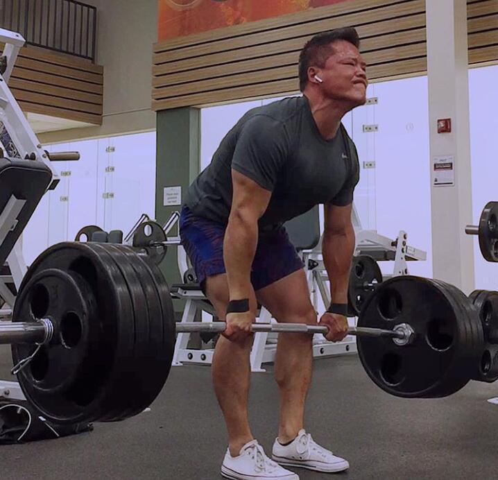 小个子肌肉男,硬拉600磅杠铃5次,健硕的男人也