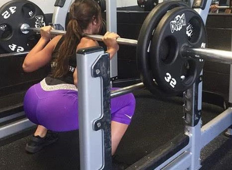 她从普通的工人,成为专业的模特,是因为坚持健身!