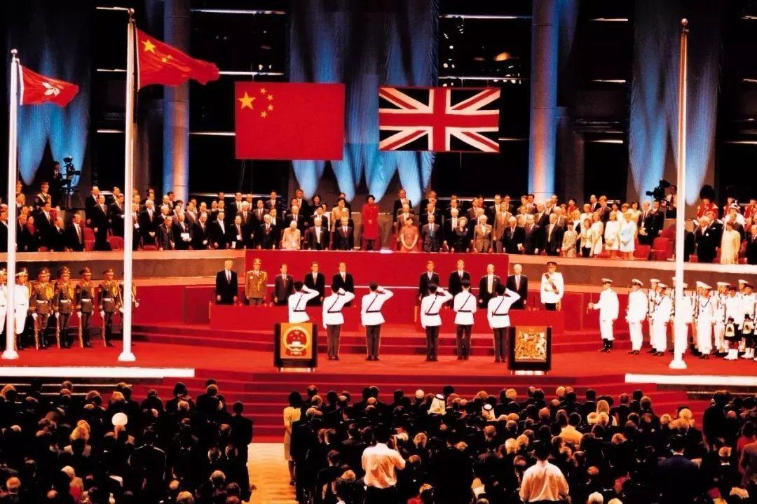 澳门表演八国联军_警法 正文  曾记得,八国联军在北京城中的烧杀抢掠,还有那一箱箱被
